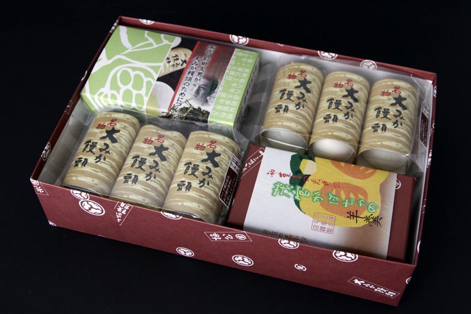 C-007 2,800円 大みか饅頭とお茶と季節の羊羹 大みか饅頭3P×4 煎茶 50g×1 季節の羊羹